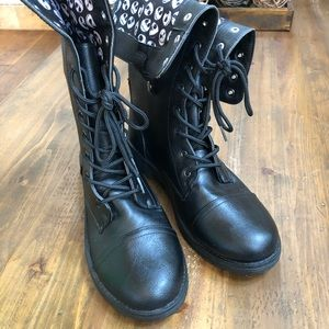 Hot Topic Women's: Jack Heads Combat Boots